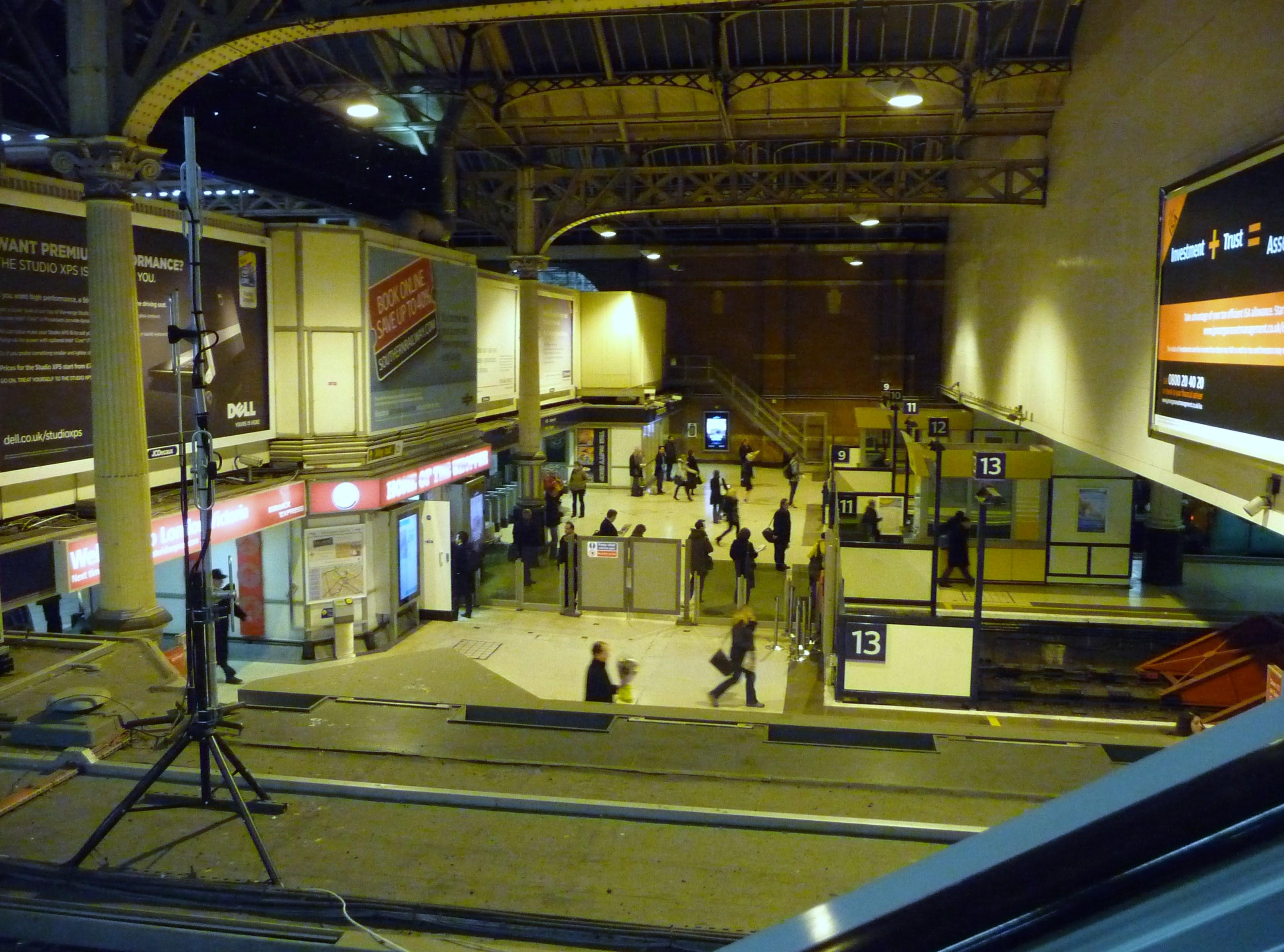 Filelondon Westminster Victoria Railway Station