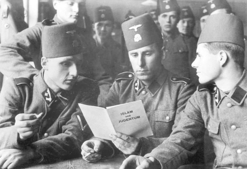 """File:Bundesarchiv Bild 101III-Mielke-036-23, Waffen-SS, 13. Gebirgs-Div. """"Handschar"""".jpg"""