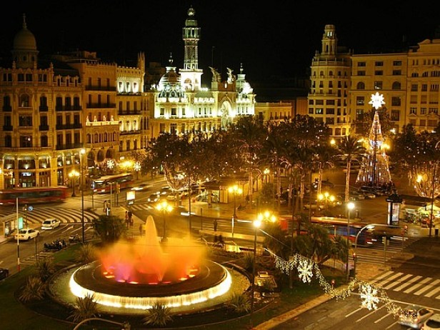 Plaza-de-ayuntamiento-madrid-spain