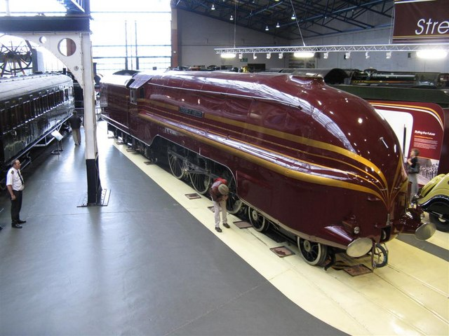 1930s train engine with dreamline design