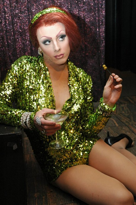 English: Drag queen before show