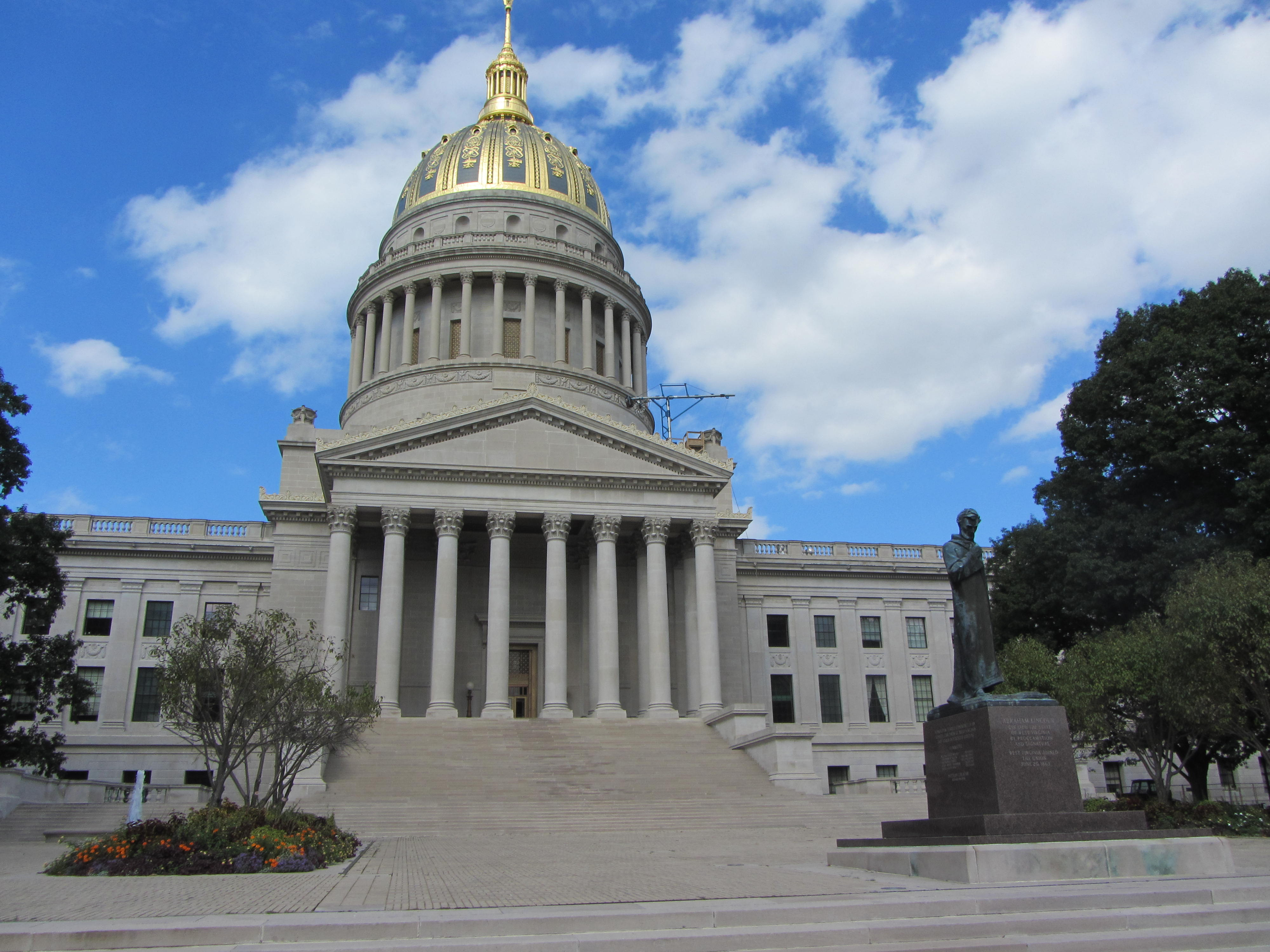 File West Virginia State Capitol By Davidwilson
