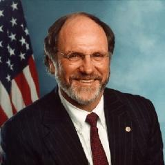 English: SenatorJonCorzine.jpg cropped as squa...