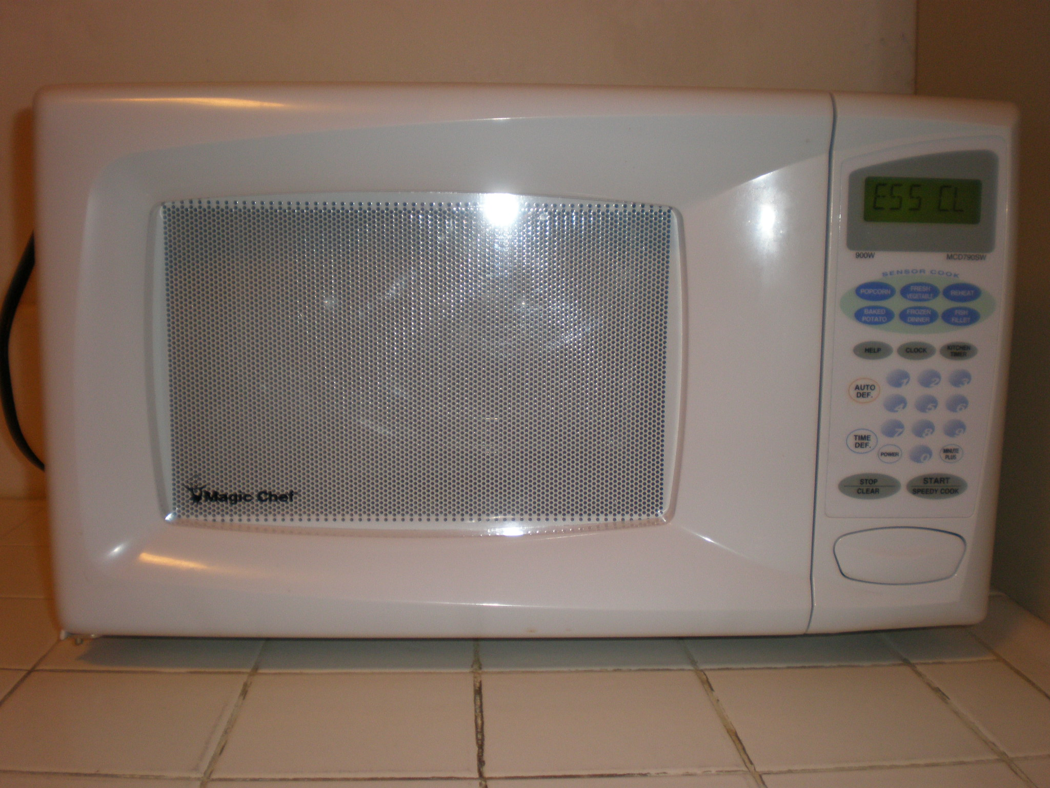 https commons wikimedia org wiki file magic chef mcd790sw microwave front jpg