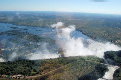 File:Victoria Falls, Zambia2.jpg - Wikimedia Commons