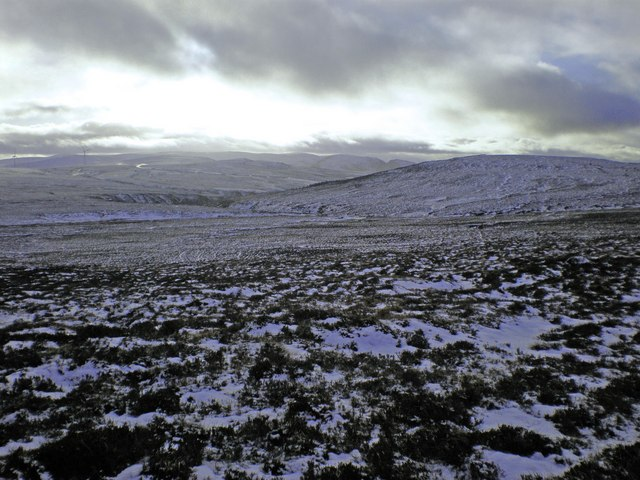 English: Carn Dar-riach and Uisge Dubh from Be...