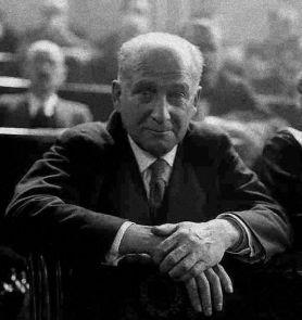 Largo Caballero tuvo una vida política muy activa en la II República y la Guerra Civil.