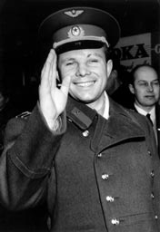 Yuri Gagarin saying hello to the press during ...