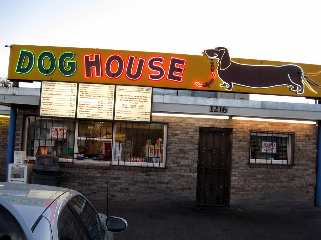 Albuquerque doghouse restaurant Dog House For Pitbull