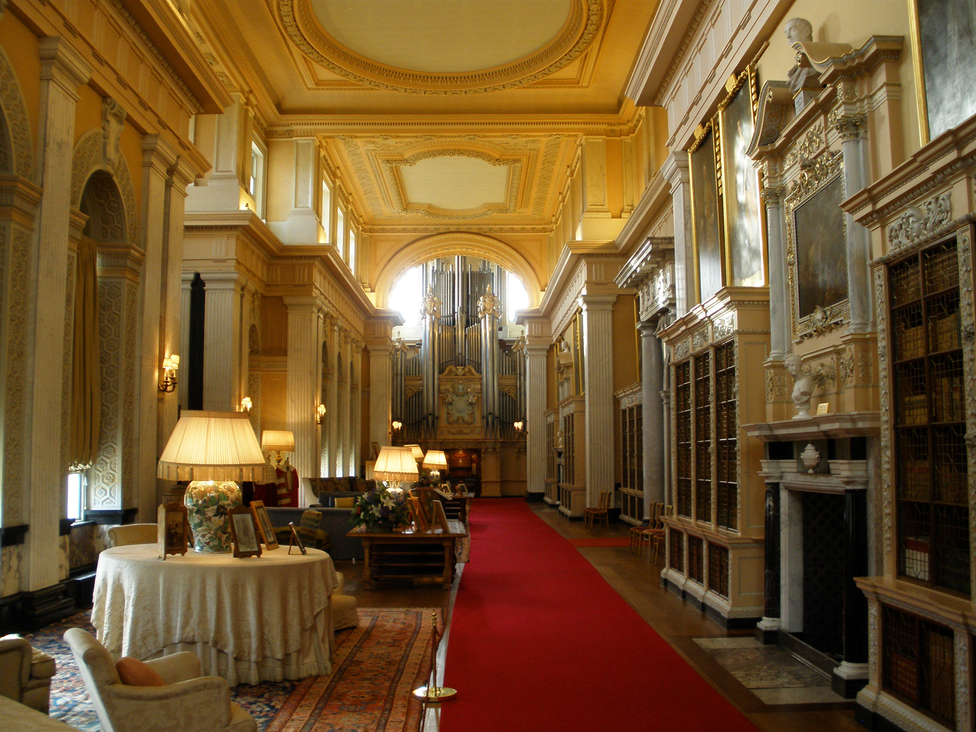 https://i2.wp.com/upload.wikimedia.org/wikipedia/commons/d/d1/Blenheim_Palace_6-2008_3.jpg