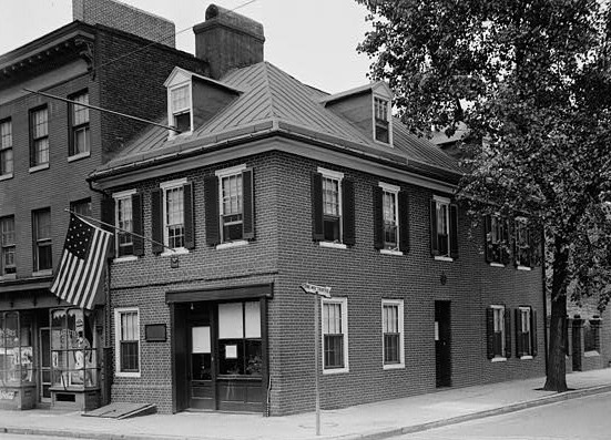 Flag House in 1936, 844 East Pratt & Albemarle Streets (Baltimore, Independent City, Maryland) (cropped). Image courtesy of the federal HABS—Historic American Buildings Survey of Maryland.