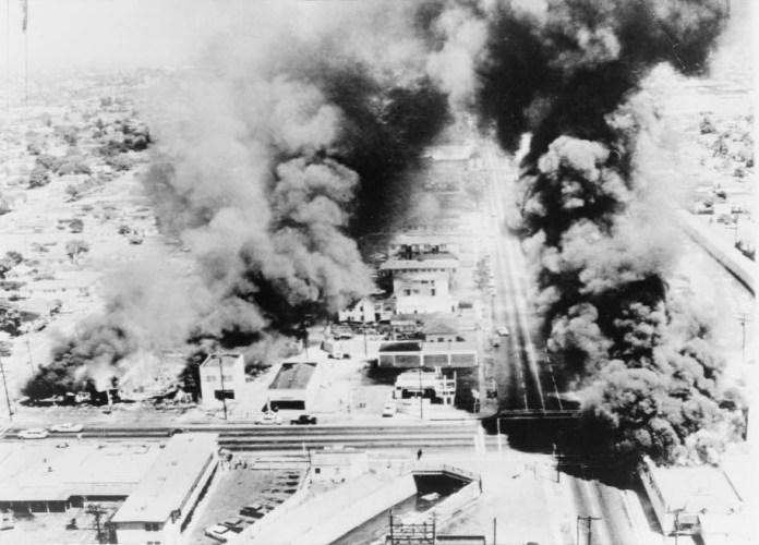 Wattsriots-burningbuildings-loc.jpg