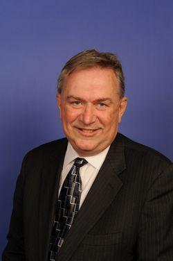 https://i2.wp.com/upload.wikimedia.org/wikipedia/commons/d/d6/Steve_Stockman_official_portrait.jpg
