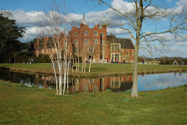 English: Madresfield Court Much of the picture...