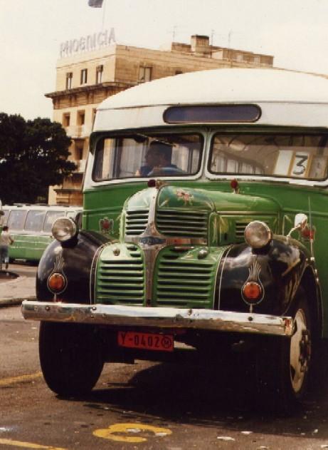 https://i2.wp.com/upload.wikimedia.org/wikipedia/commons/d/da/Malta_01_bus.jpg