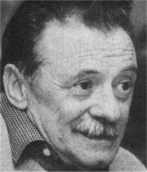 Español: Fotografía del escritor y poeta urugu...