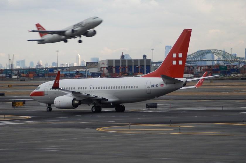Bildresultat för privatair boeing 737-700