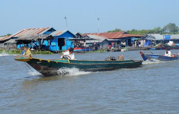 """Résultat de recherche d'images pour """"village lacustre cambodge"""""""