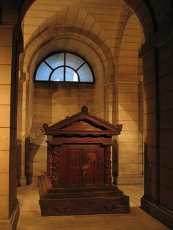 The tomb of Rousseau in the crypt of the Panth...