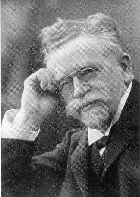 https://i2.wp.com/upload.wikimedia.org/wikipedia/commons/d/dd/Johann_Heinrich_H%C3%BCbschmann.jpg