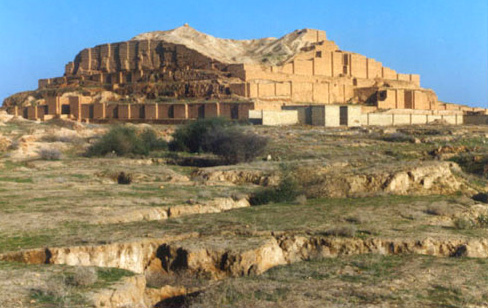 https://i2.wp.com/upload.wikimedia.org/wikipedia/commons/d/df/Choghazanbil2.jpg