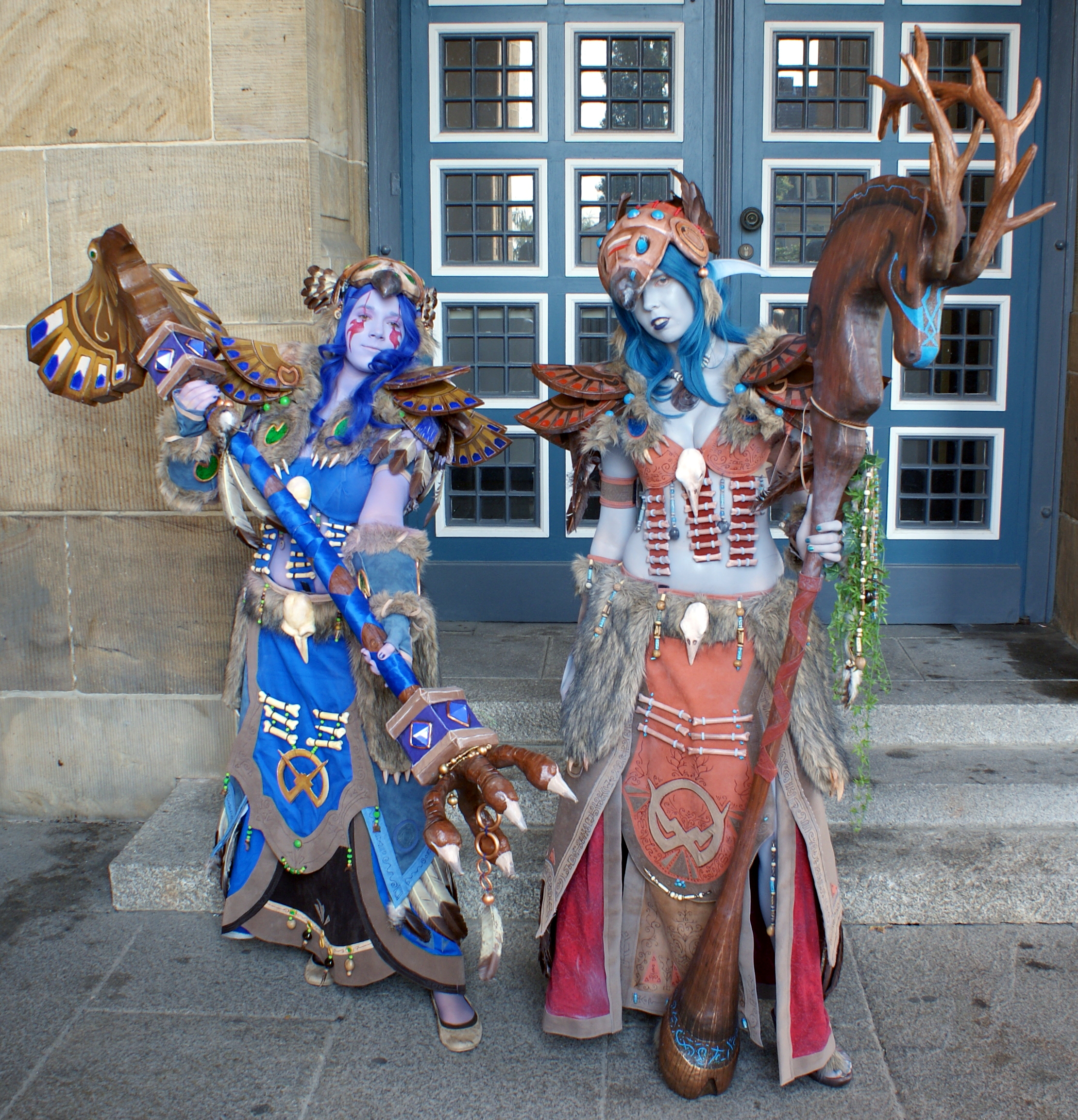 English: 2 World of Warcraft cosplayer, costum...