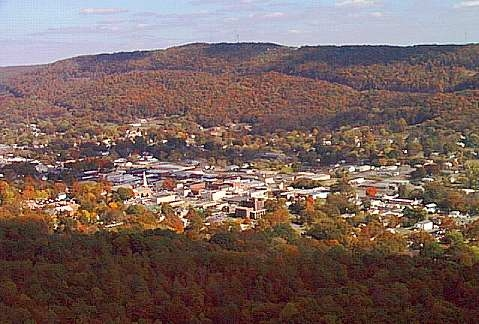 English: Aerial view of Fort Payne, Alabama, USA