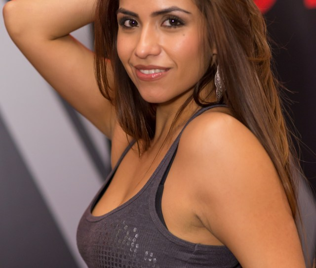 Fileisabella De Santos Avn Expo  Jpg