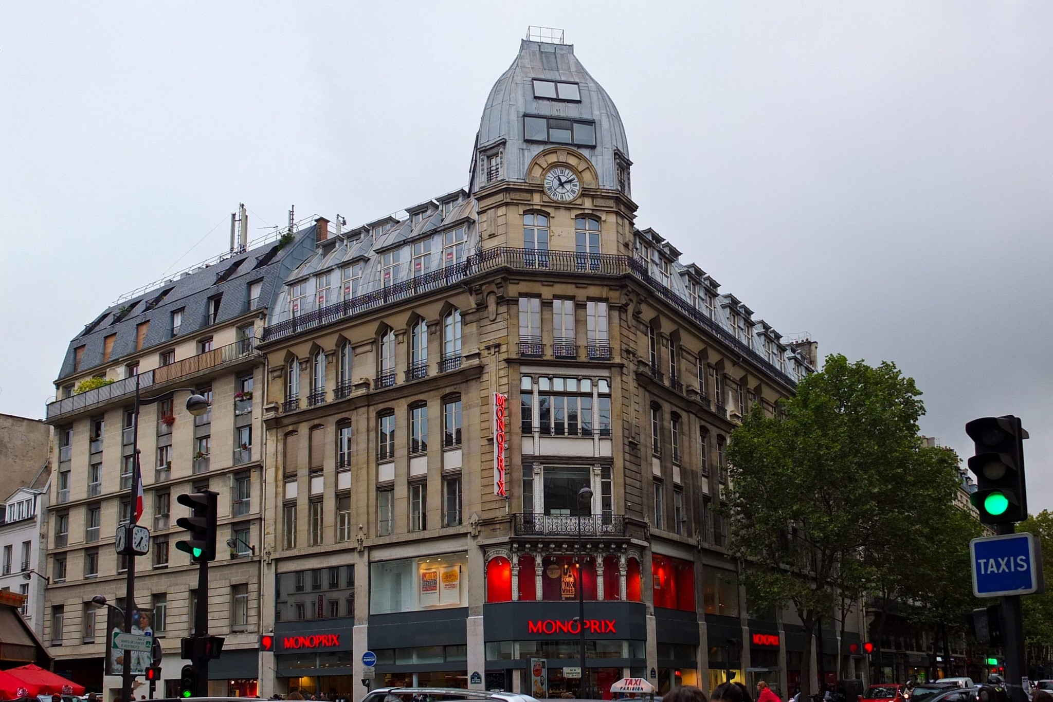 File Monoprix Rue Du Faubourg Saint Antoine Avenue Ledru Rollin Paris 2013 Jpg Wikimedia Commons