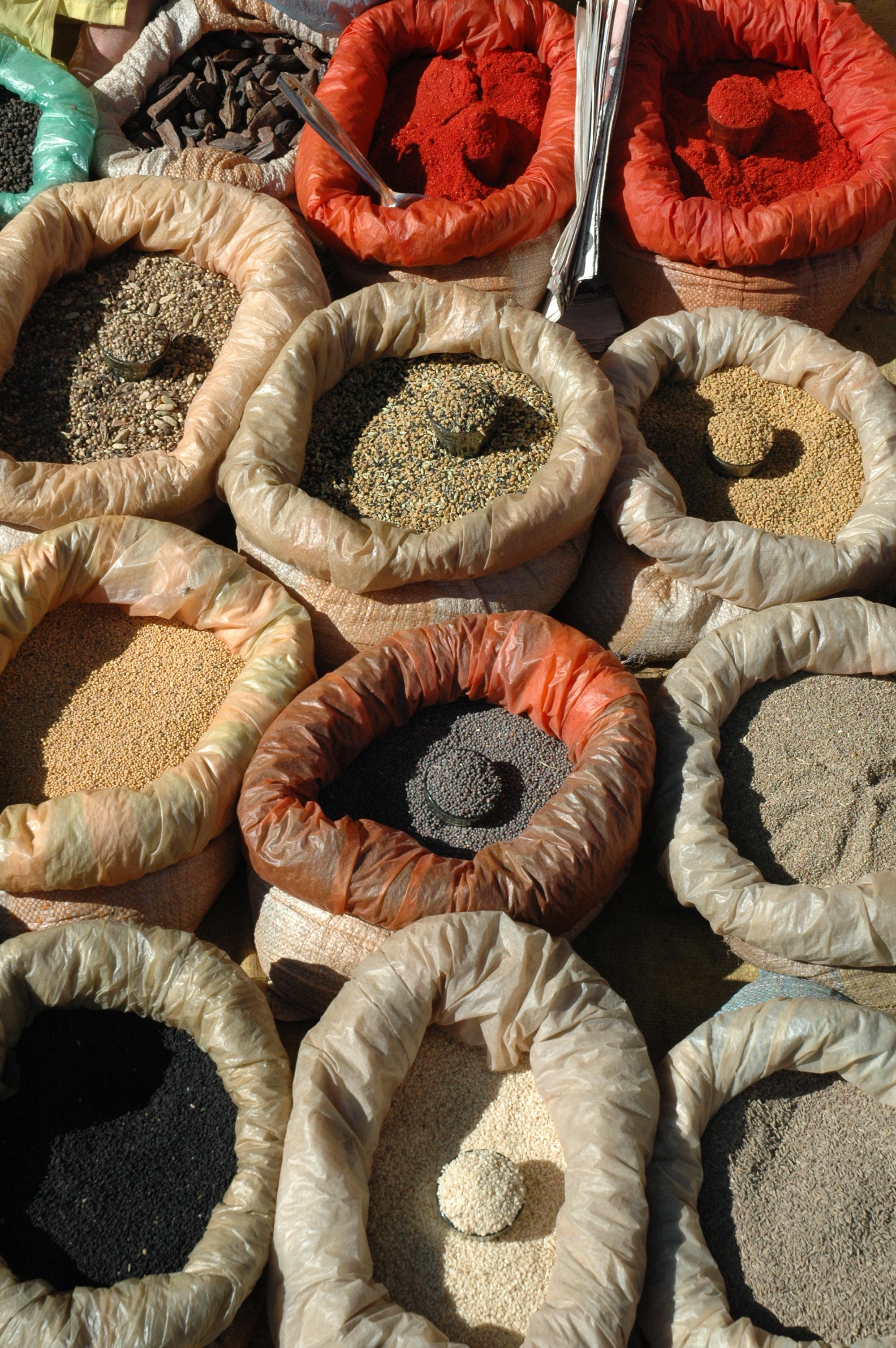 Muestra de las especias empleadas comúnmente en la gastronom�a de la India