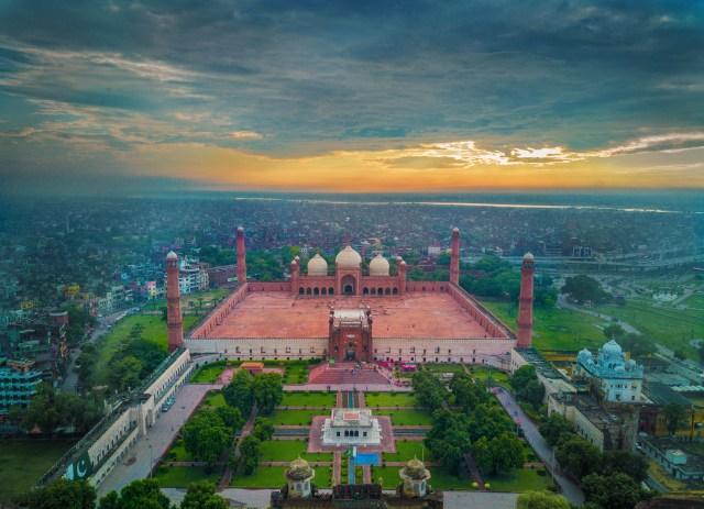Fichier:Badshahi Mosquee, Lahore.jpg — Wikipédia
