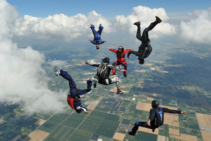 English: Freeflying at Skydive Miami