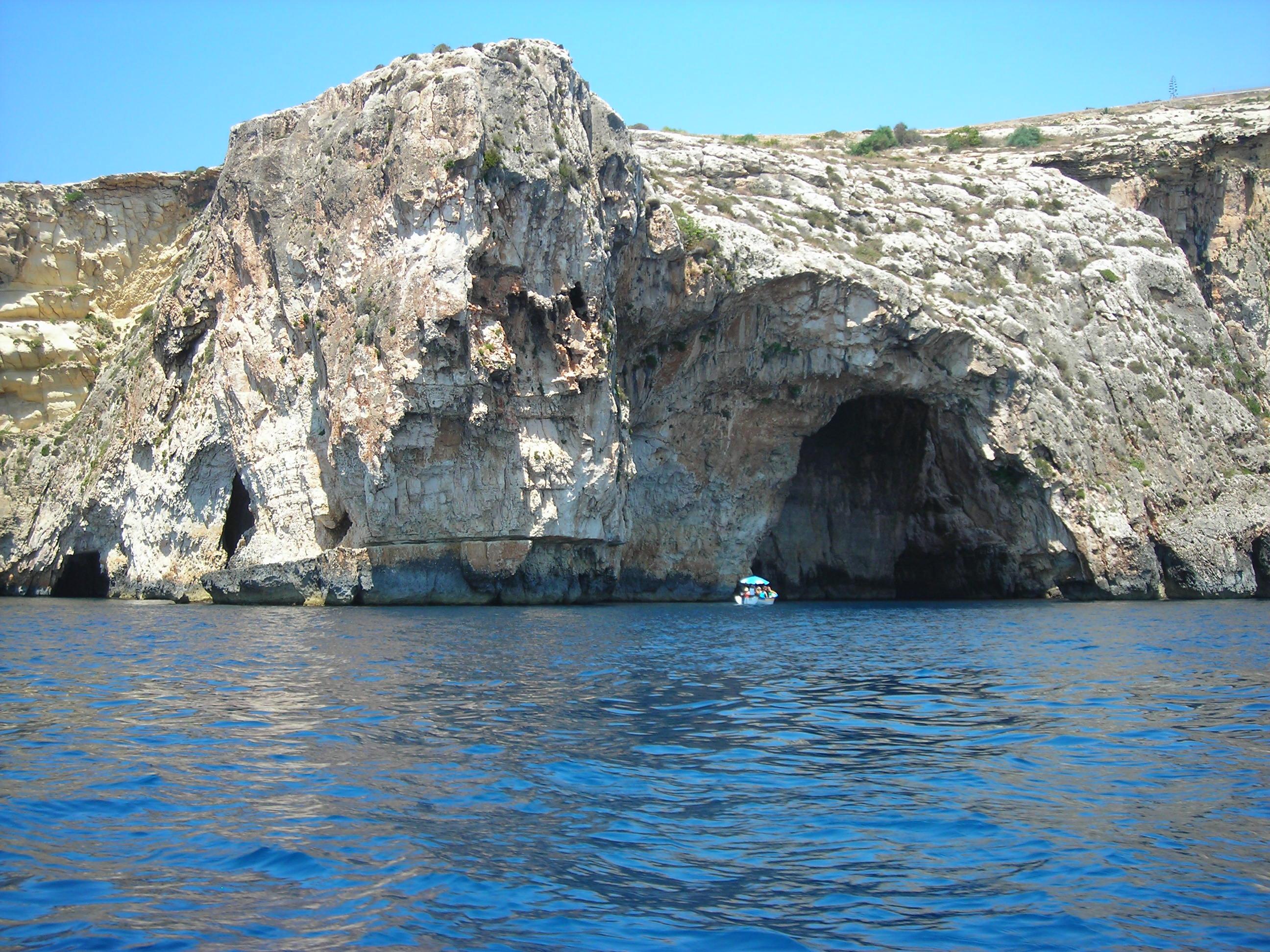 blue grotto round malta cruise