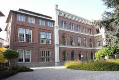 Voormalig ziekenhuis Enghlenschild, nu appartementencomplex