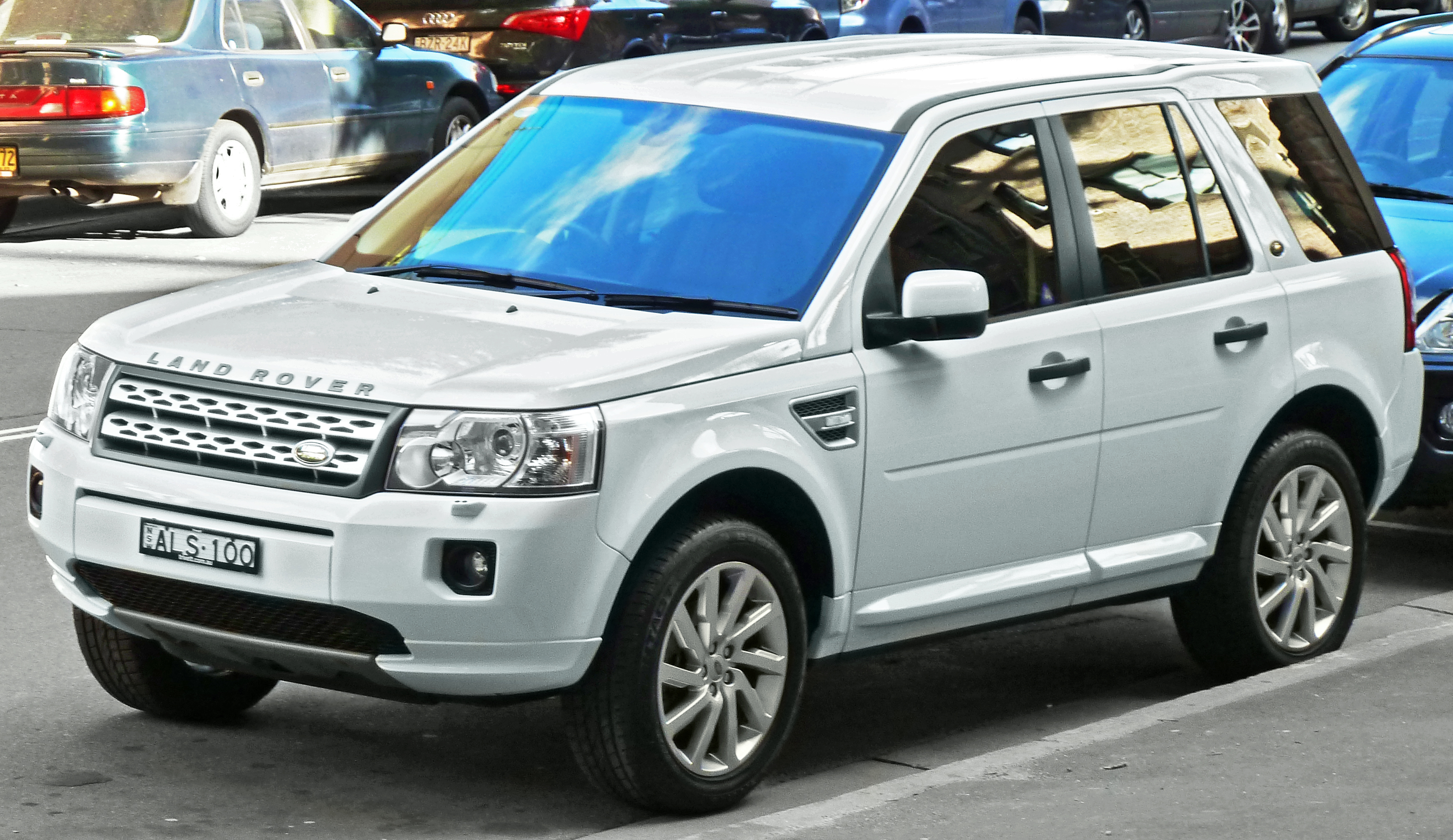 File 2010 2011 Land Rover Freelander 2 LF XS Si6 wagon 2011 10