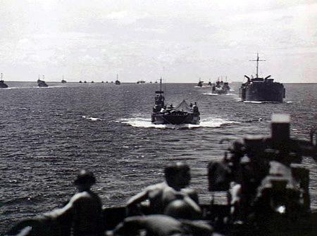 File:Landing craft 017615.jpg
