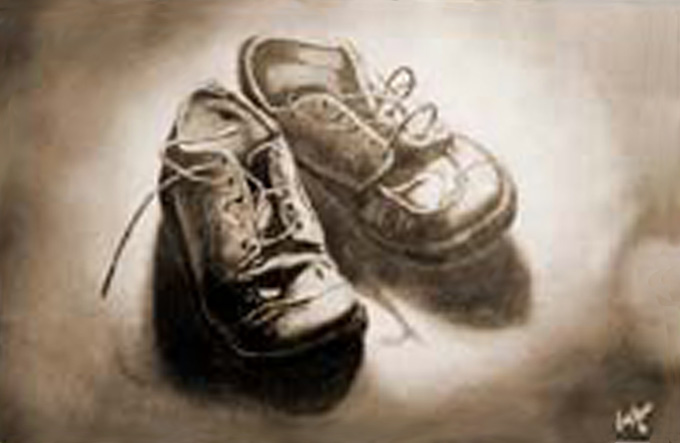 File:Zapatos-raulshaw.jpg