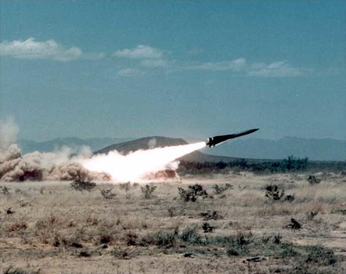 Lanzamiento de misil Hawk (Es la princiupal defensa aa de Baerín