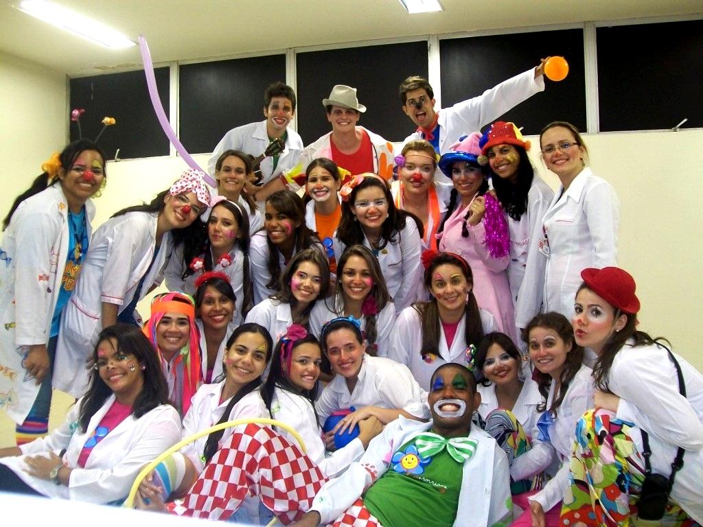 English: Dia das crianças do sorriso Português...