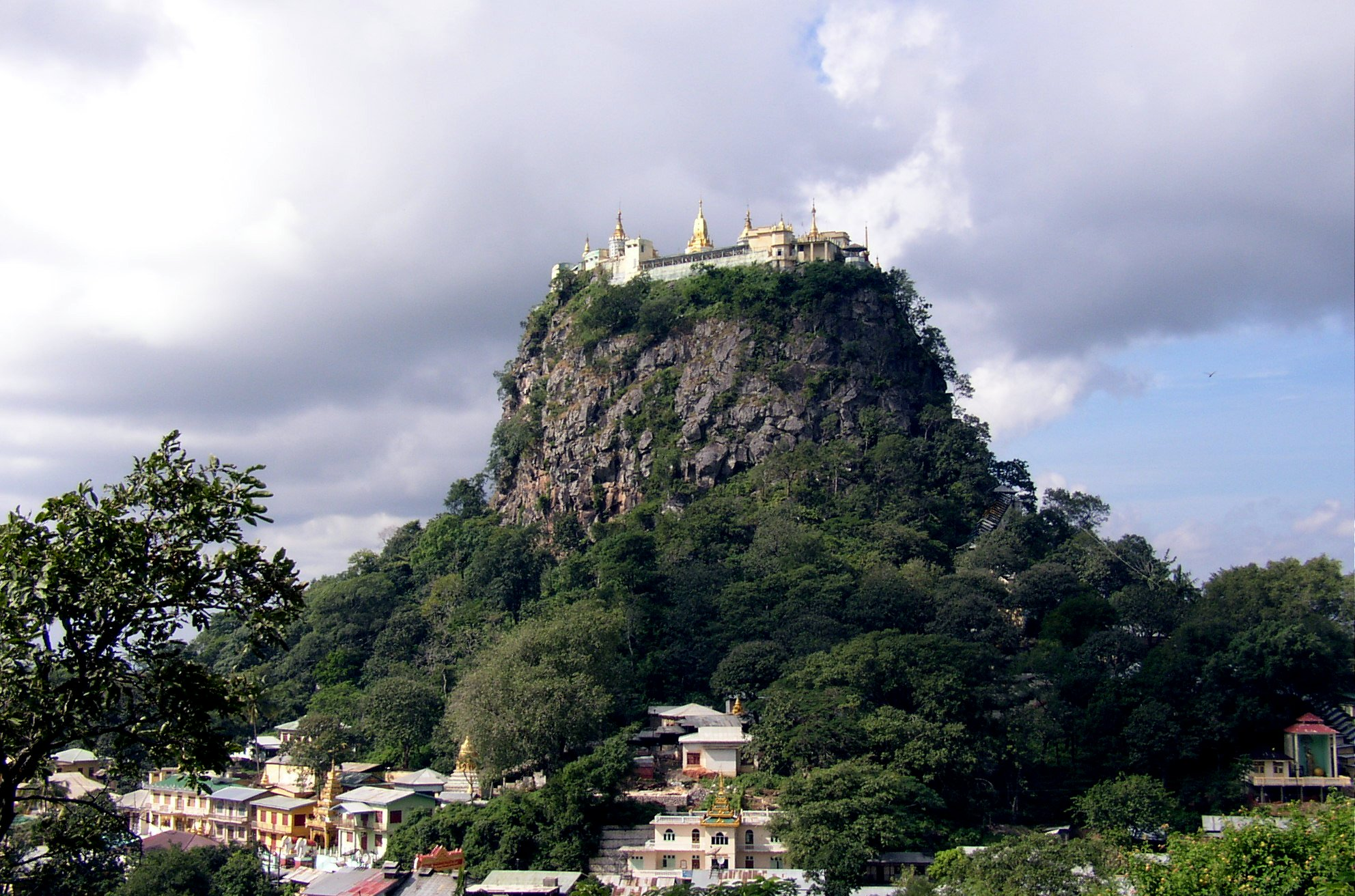 Mount Popa (Wikicommons)