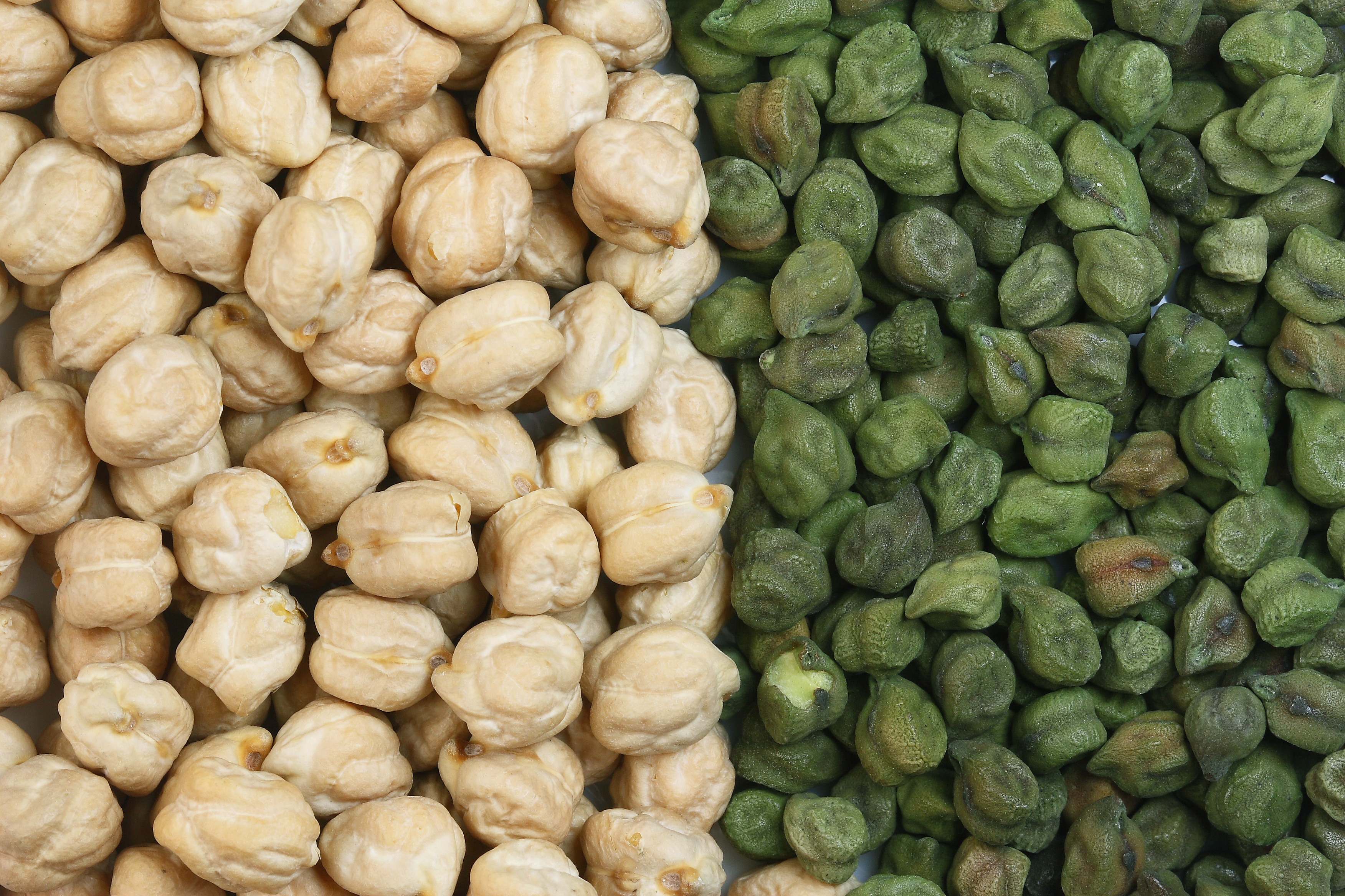 White & Green chickpeas. Photo credit: Wikipedia