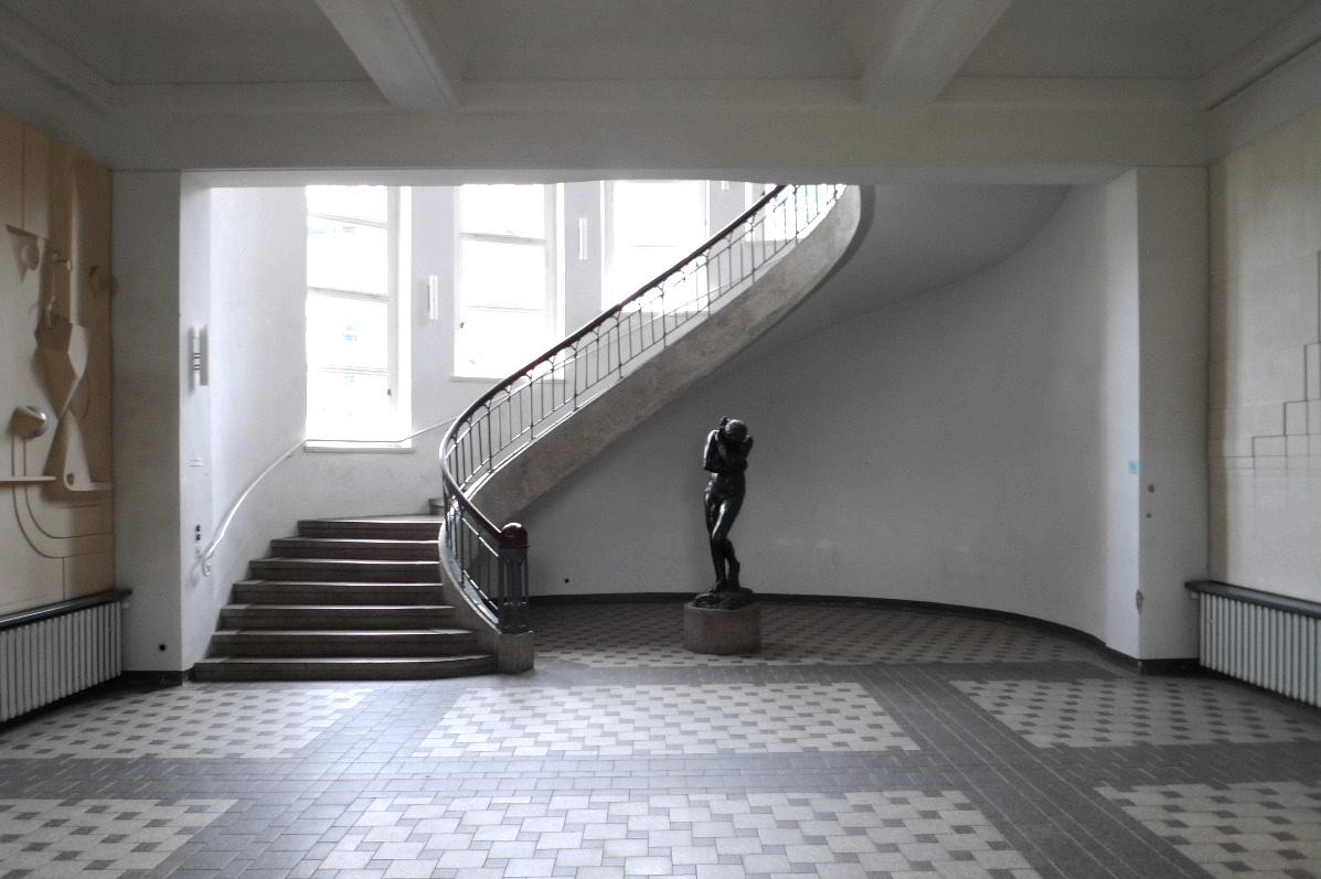 https://de.wikipedia.org/wiki/Großherzoglich-Sächsische_Kunstschule_Weimar#/media/File:Weimarbauhaus6.jpg