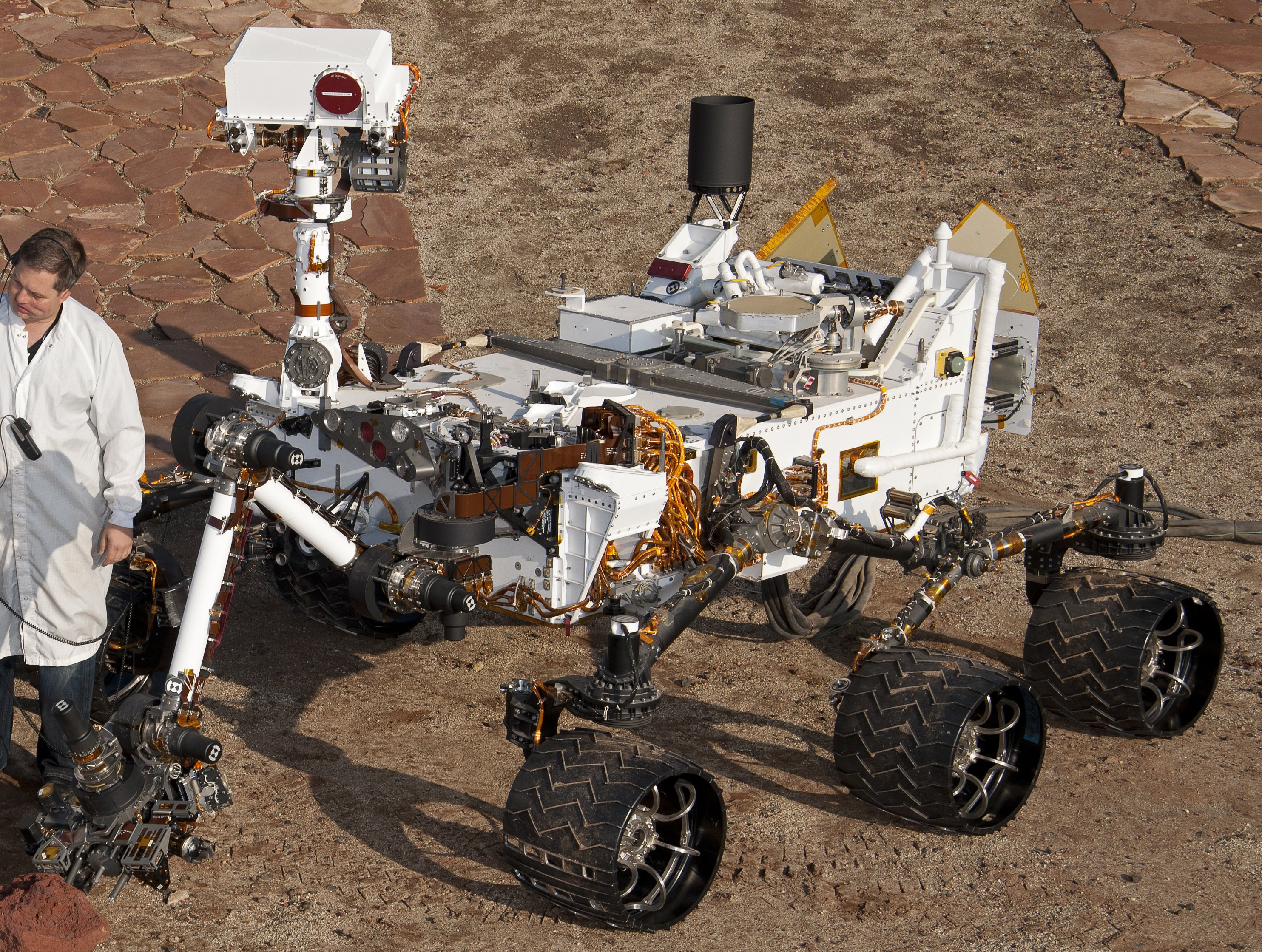File PIA 3rovers stand D2011 1215 D521 crop2 CuriosityRover