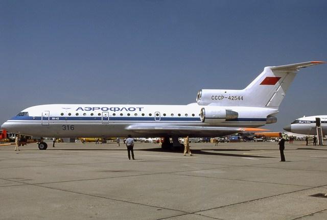 Resultado de imagen de 1982: Yakovlev Yak-42