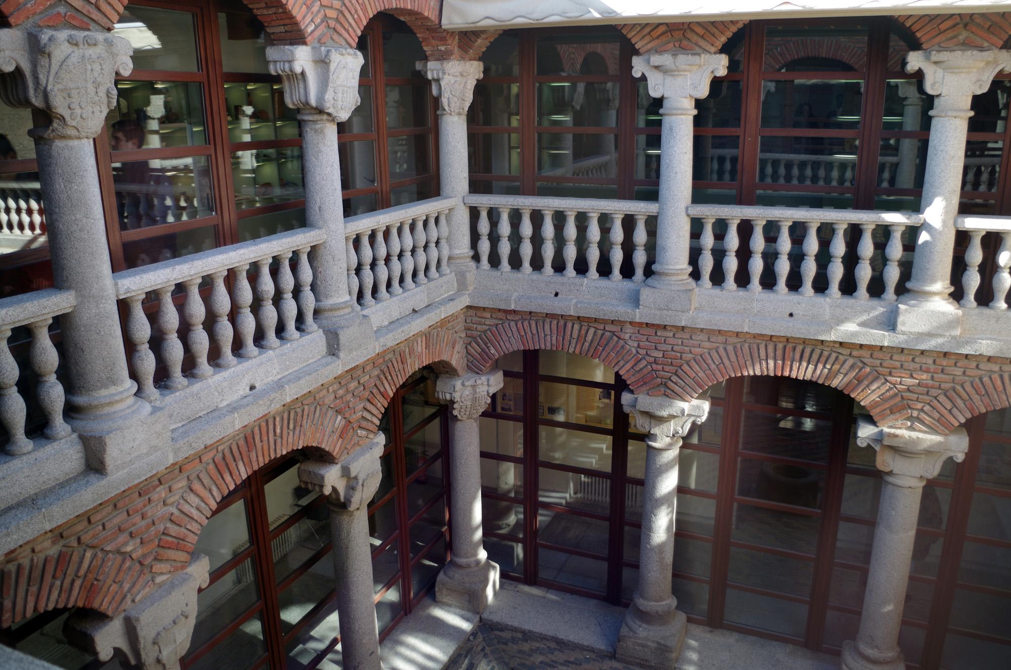 Resultado de imagen de el palacio de los Deanes.