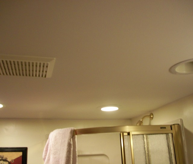 Filebathroom Ceiling With Vent Jpg