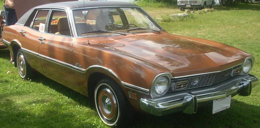 1972 ford cars » File  73 Ford Maverick Sedan  Auto classique Laval  10  jpg     File  73 Ford Maverick Sedan  Auto classique Laval