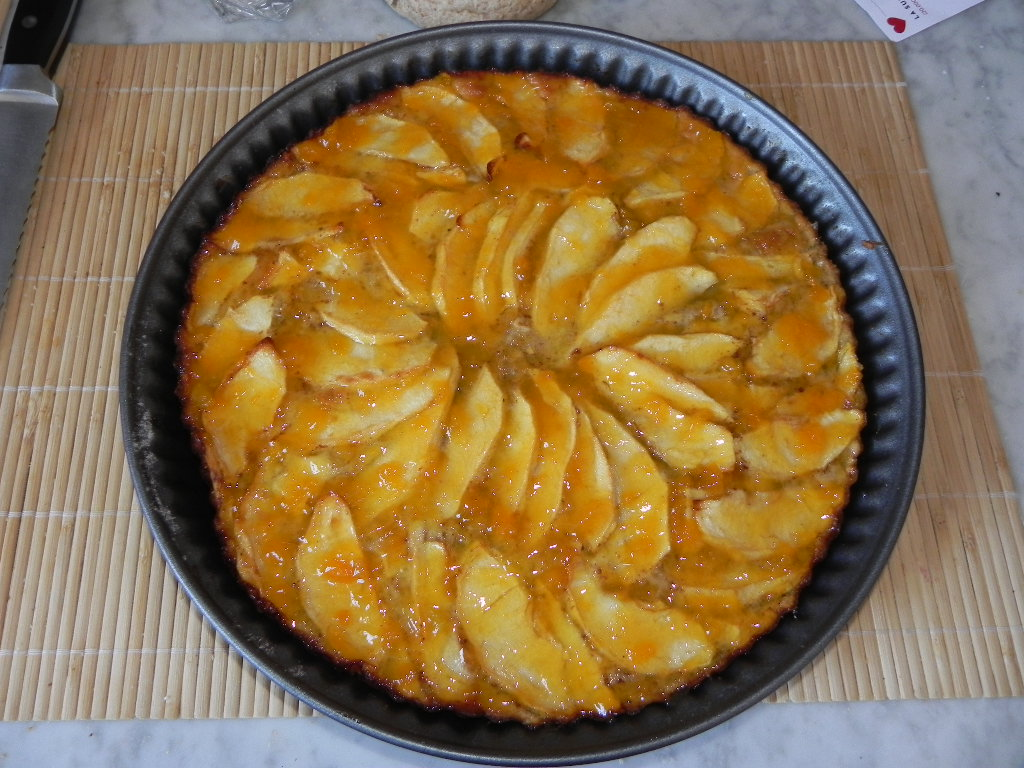 Traditional Apple Cake