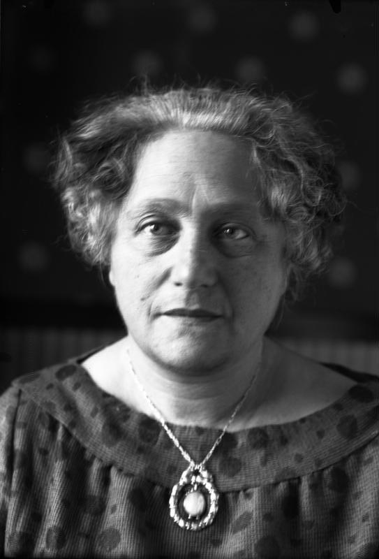 Bundesarchiv Bild 102-00486A, Elsa Einstein.jpg
