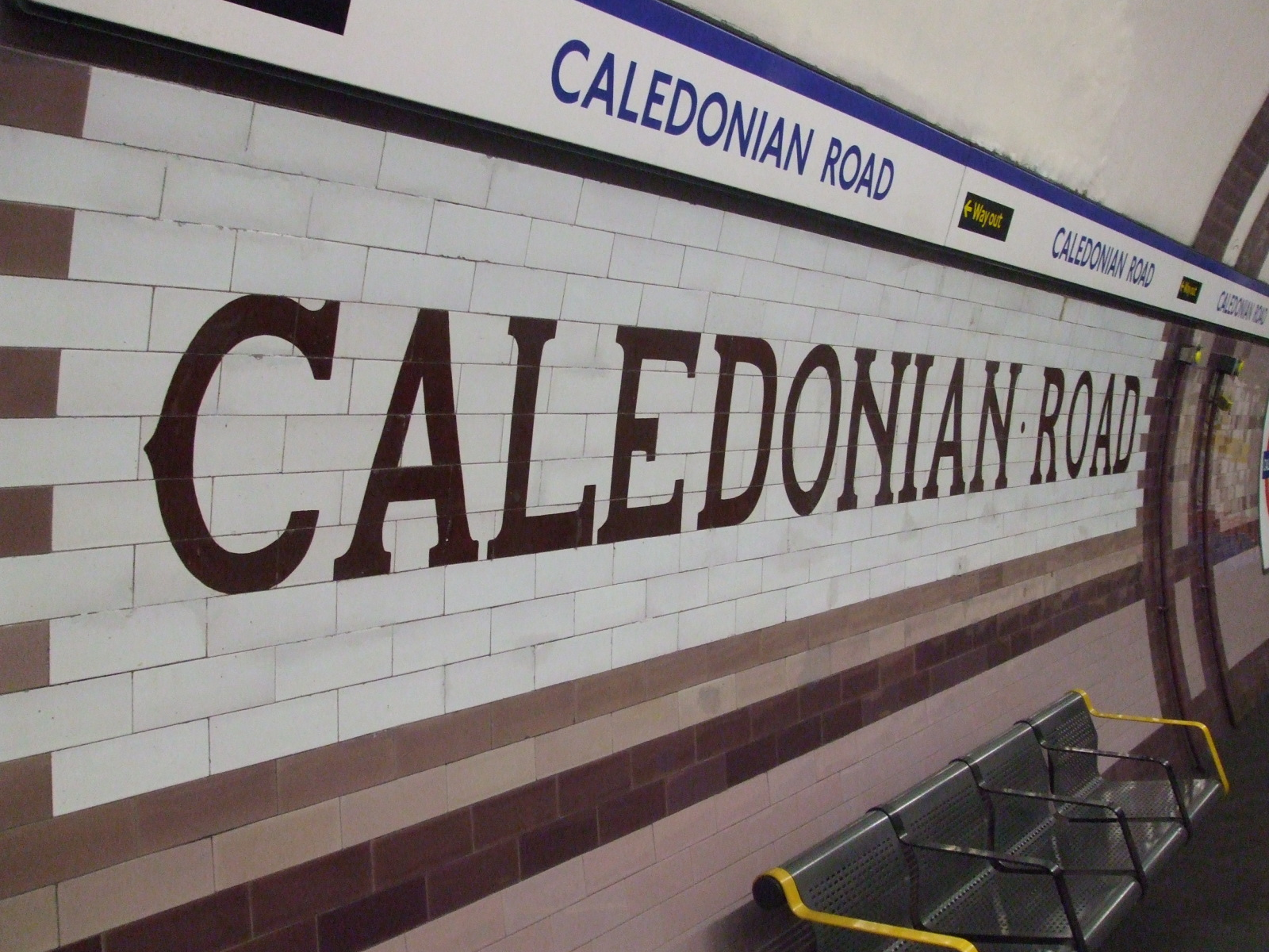 Caledonian Road station tiling